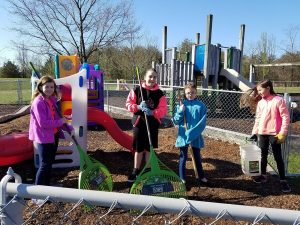 Religious School students help keep the toddler playground safe on Good Deeds Day